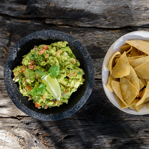 Fresh avocado guacamole & chips